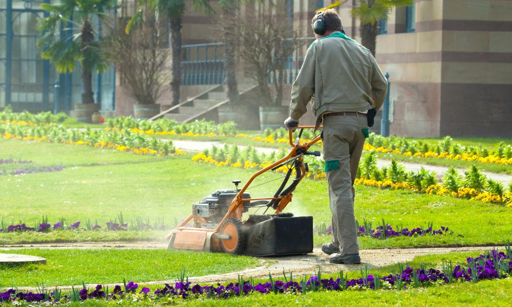 Entreprise entretien espaces verts pour les copropriétés