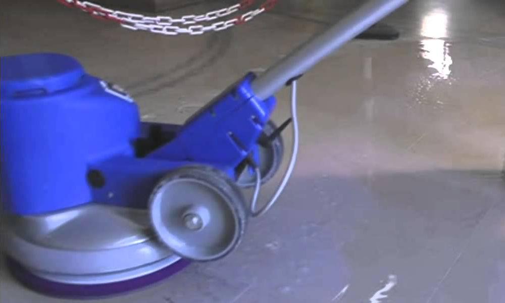 Entreprise de nettoyage pour le lustrage décapage des sols dans le 44
