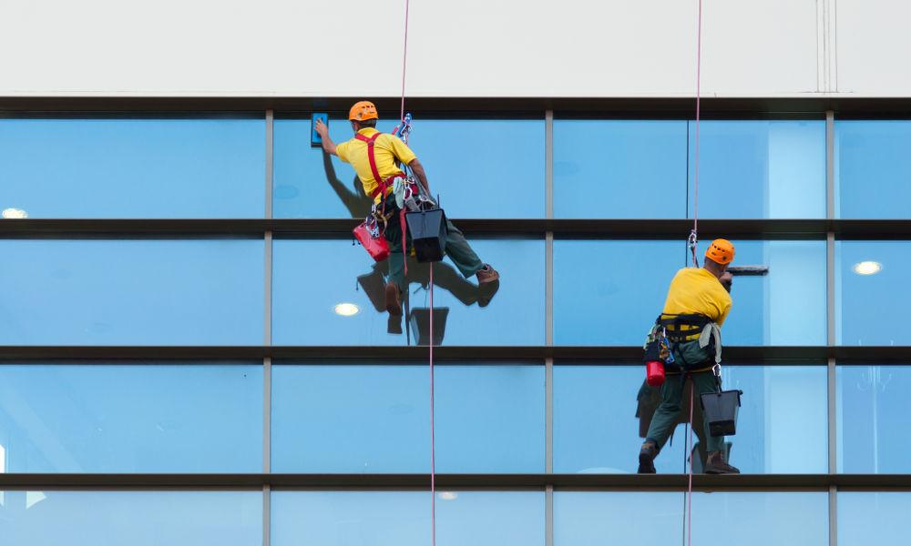 Entreprise de nettoyage des vitre des immeubles en Loire Atlantique